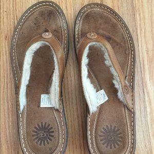 UGG women's Hamoa sandals size 9.
